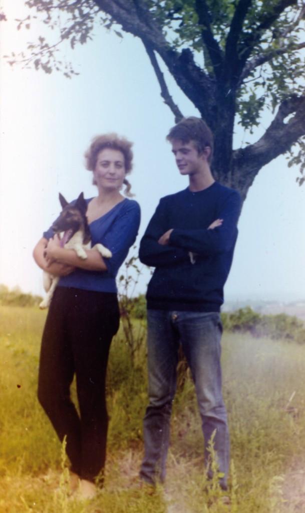 Mario Paluan e Matilde Izzia con il cane Gin Gin